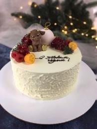 Торт Новогодний с шоколадным бычком