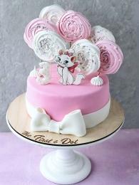 Кошечка в розовом безе