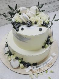 Торт с серебром и живыми цветами 2 яруса